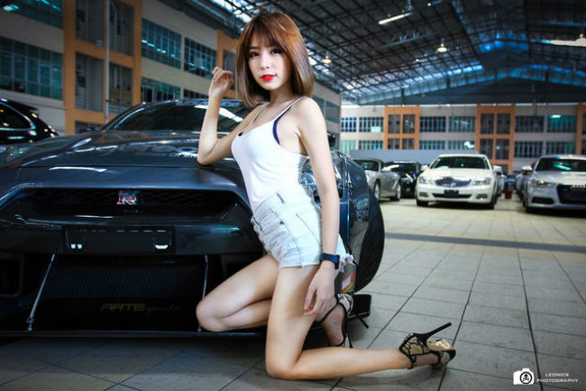 chan-dai-bat-nap-xe-the-thao-don-tim-phai-manh-autof5-4