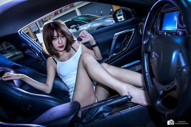 chan-dai-bat-nap-xe-the-thao-don-tim-phai-manh-autof5